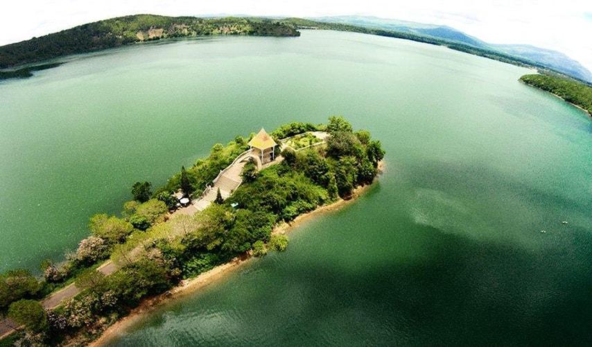 Thuyết minh về danh lam thắng cảnh biển Hồ (Hồ Tơ Nưng)